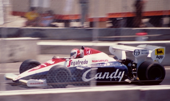 Cecotto_Toleman_TG184_1984_Dallas_F1