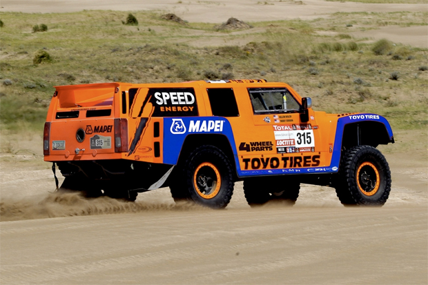 Large-Robby-Gordon-Dakar-2013-12-5-12
