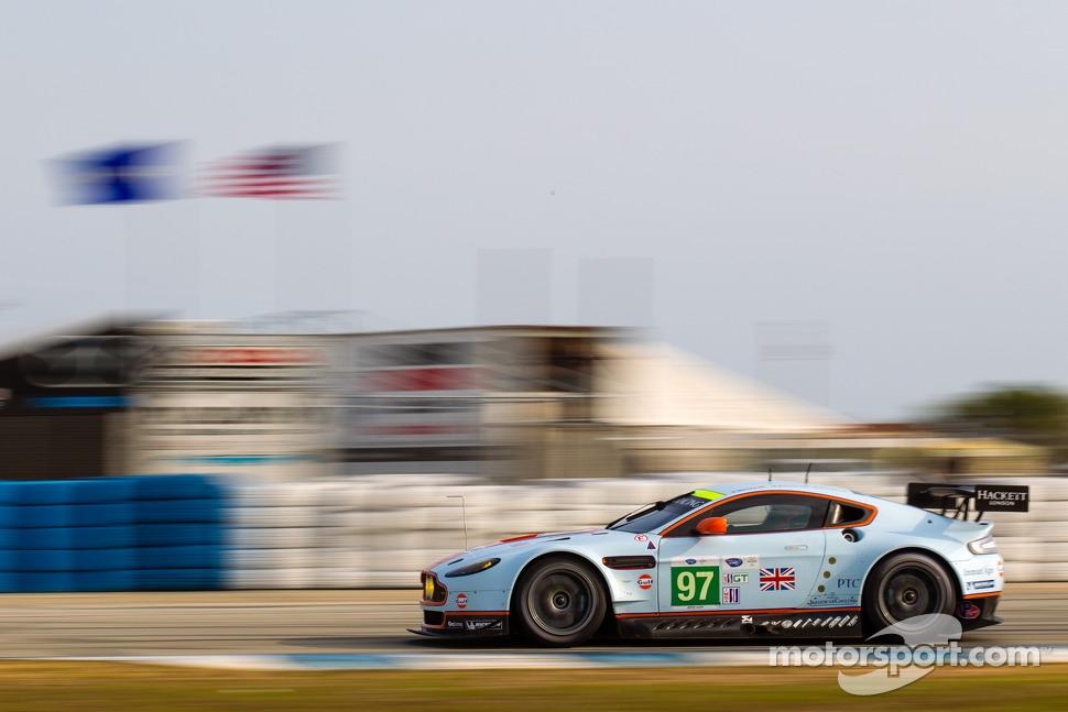 Aston Martin Vantage-97