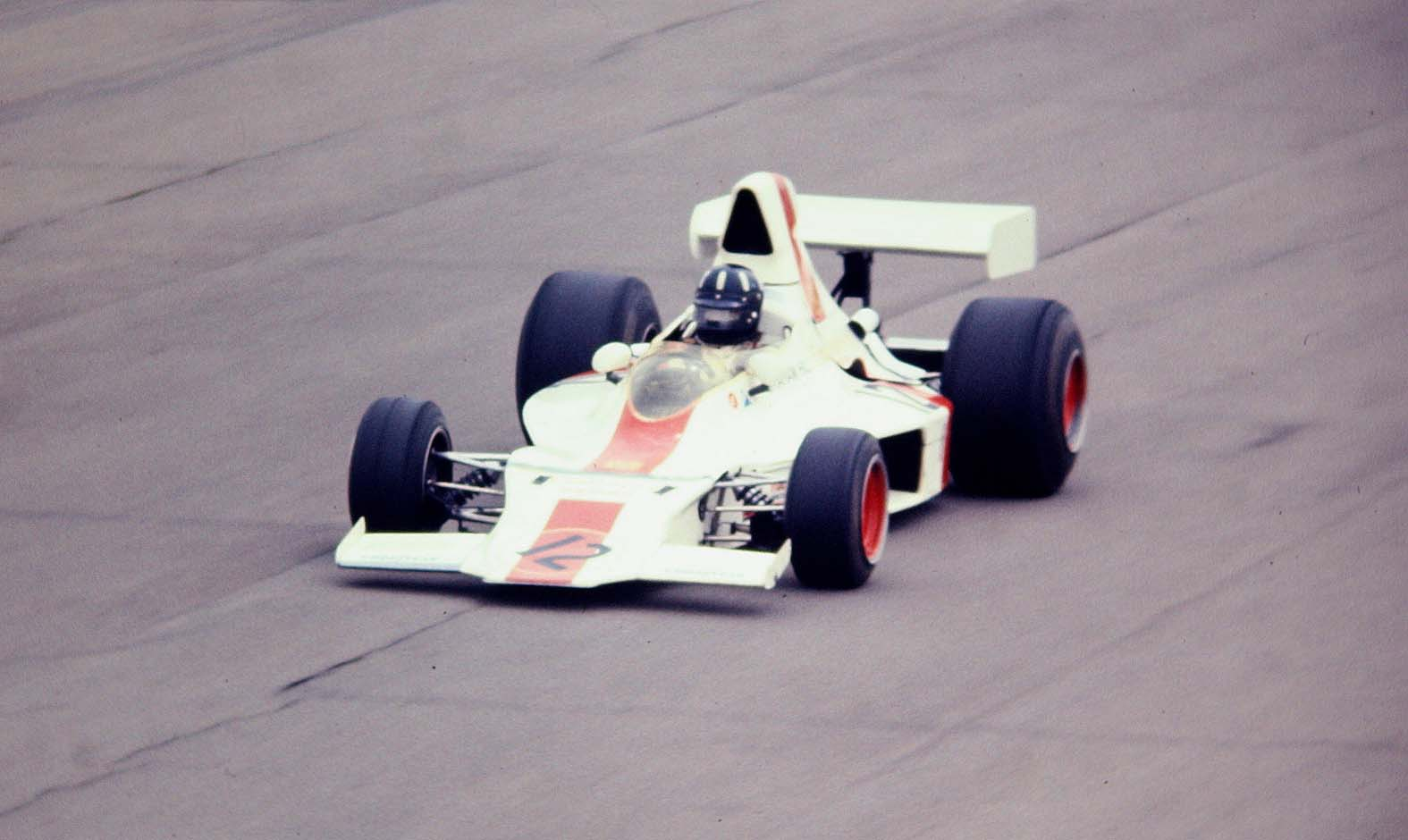 Graham_Hill_Embassy_Racing_1973_Shadow_DN1_Foto_John_Millar