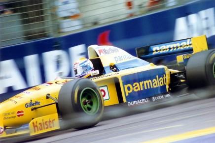 Forti-F1-1995-Roberto-Moreno-436x291