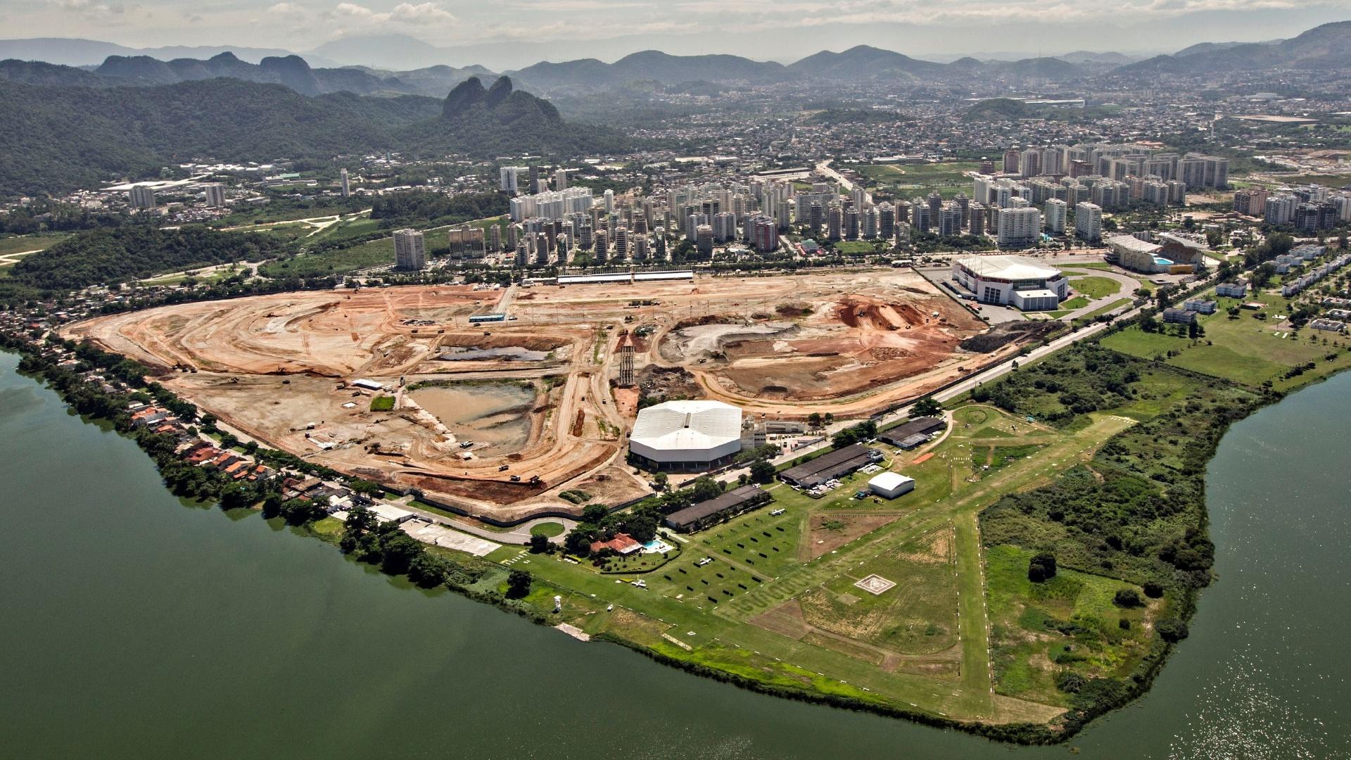 12abr2013---antigo-autodromo-de-jacarepagua-da-espaco-a-obras-do-parque-olimpico-da-rio-2016-1369180898372_1920x1080