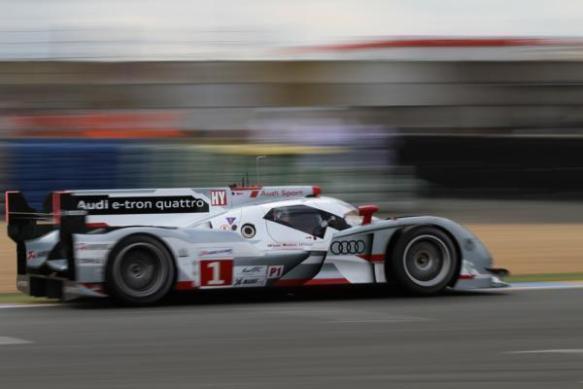 Trois-Audi-e-tron-quattro-au-Mans-2013_articlethumbnail
