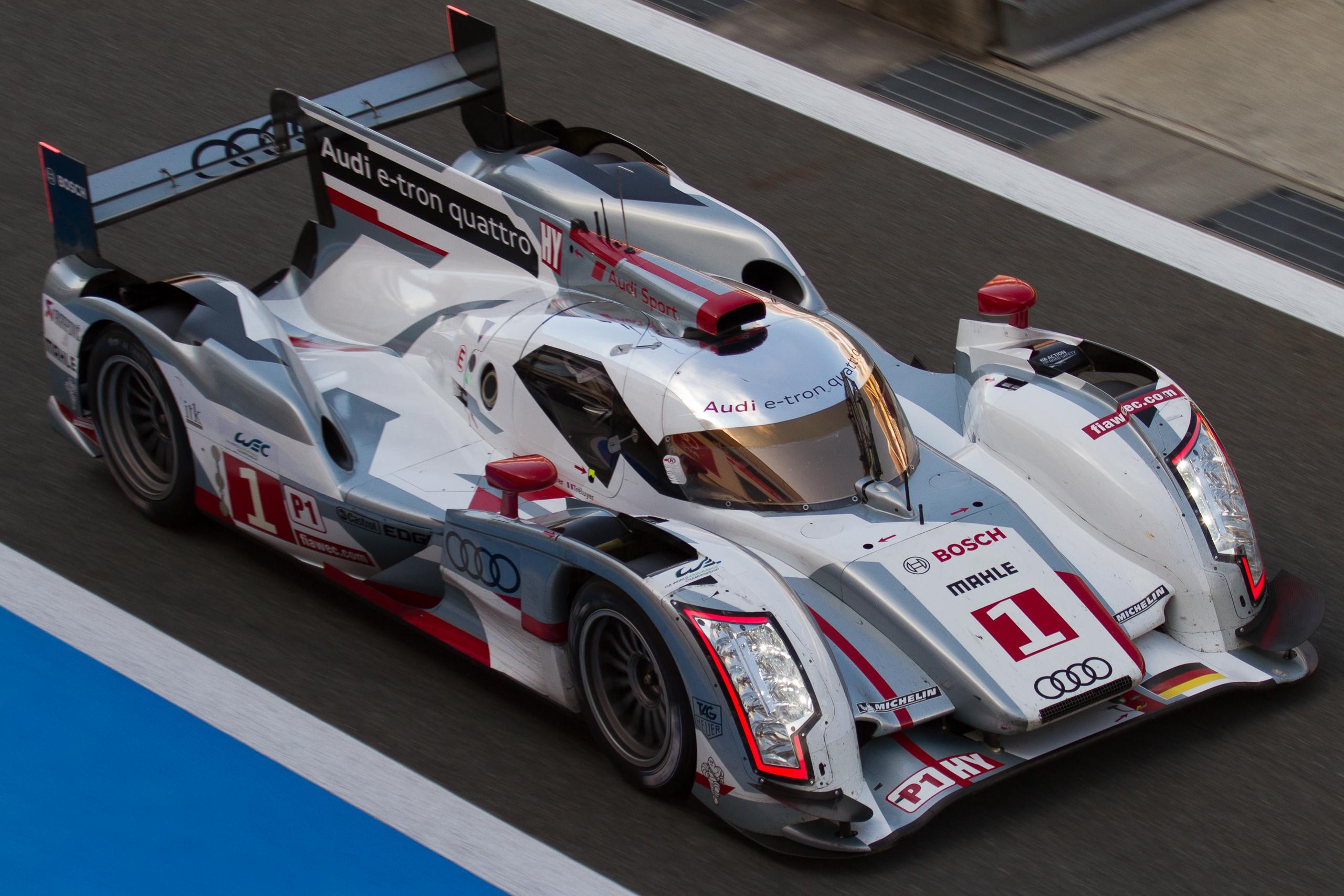 Audi_R18_e-tron_quattro_no1_top_view_2012_WEC_Fuji