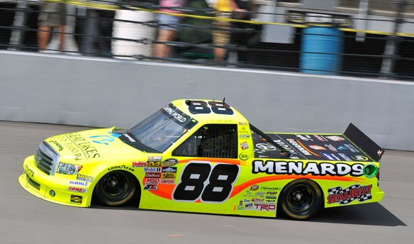crafton-nascar-camping-world-truck-2013-08-20
