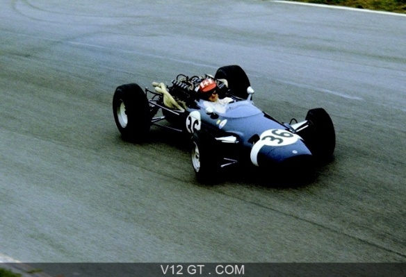 Jo-Siffert-GP-d-Italie-1966-Cooper-Maserati-bleue-action-3-4-avd_zoom