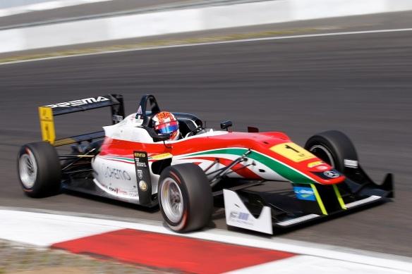mercedes-benz-rewards-2013-formula-3-champion-with-dtm-test_2-marc