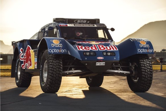 red-bull-smg-rally-team-buggy-dakar-2014-carlos-sainz-timo-timo-gottschalk