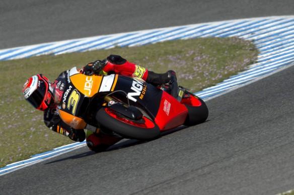 Simone Corsi Moto2 Moto3 Tests Jerez Day 3 4LzEUJAEiB_l