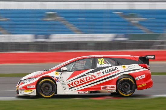 2014-honda-civic-tourer-btcc-07