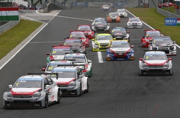 053223_wtcc_race_1_start_hungaroring